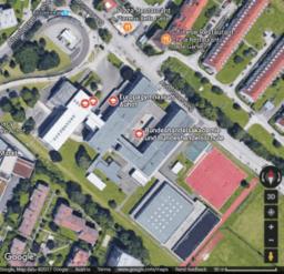 Stundenplanung: Glasüberdachung einer Schule