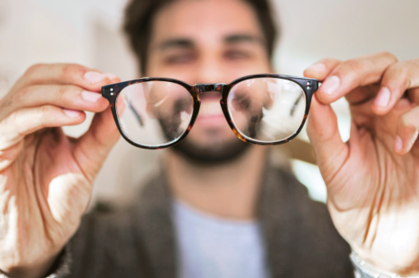 Can you see clearly through those spectacles?